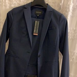 New with tags Banana Republic navy wool suit